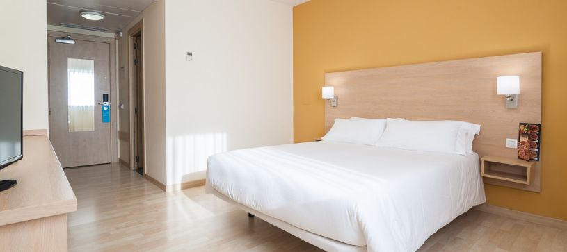 Panorámica doble matrimonio Hotel B&B Madrid Las Rozas