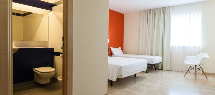 Panorámica familiar Hotel B&B Madrid Las Rozas