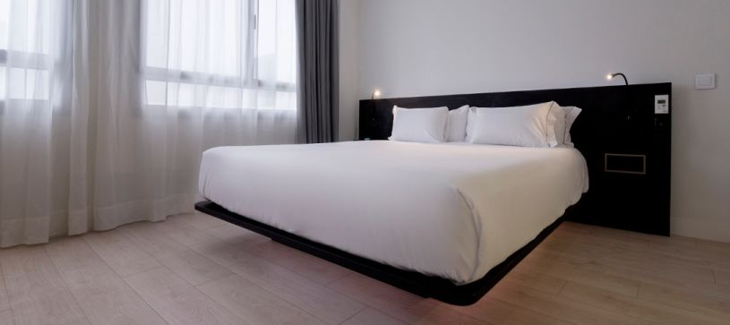 cama doble Hotel B&B Puerta del Sol