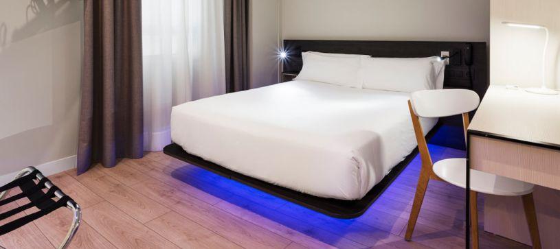 Air bed cama matrimonio Hotel B&B Puerta del Sol