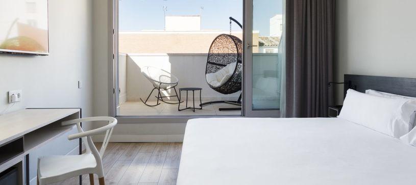 Detalle terraza Hotel B&B Puerta del Sol