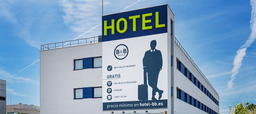 Edificio Hotel B&B Madrid Las Rozas