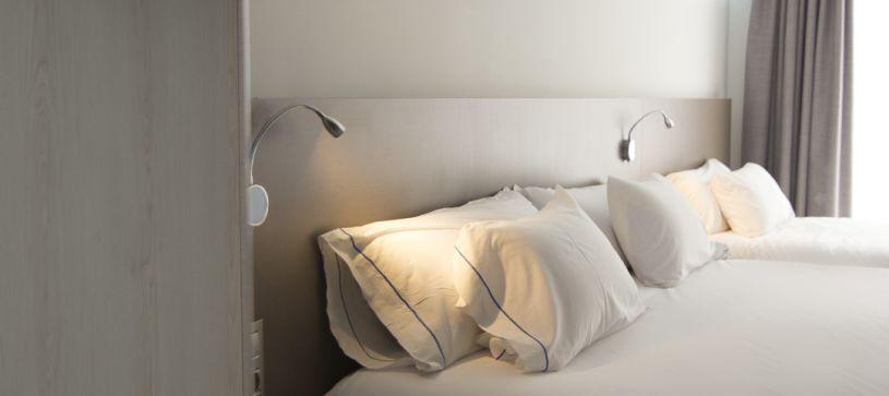 Hotel B&B Donostia San Sebastián Aeropuerto detalle de habitación doble matrimonial