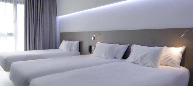 Hotel B&B Donostia San Sebastián Aeropuerto  habitación triple para tres adultos