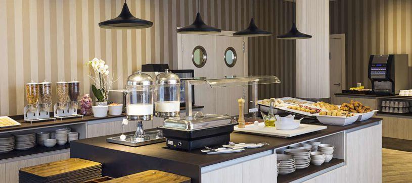 Salón de desayunos Hotel B&B Valencia Ciudad de las Ciencias