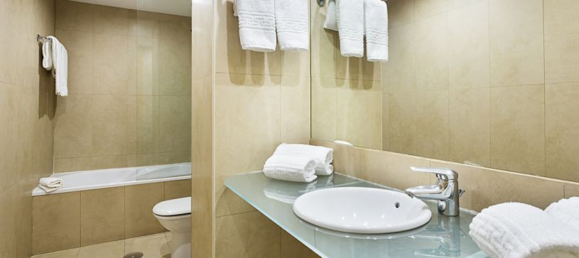 Baño con bañera Hotel B&B Vigo