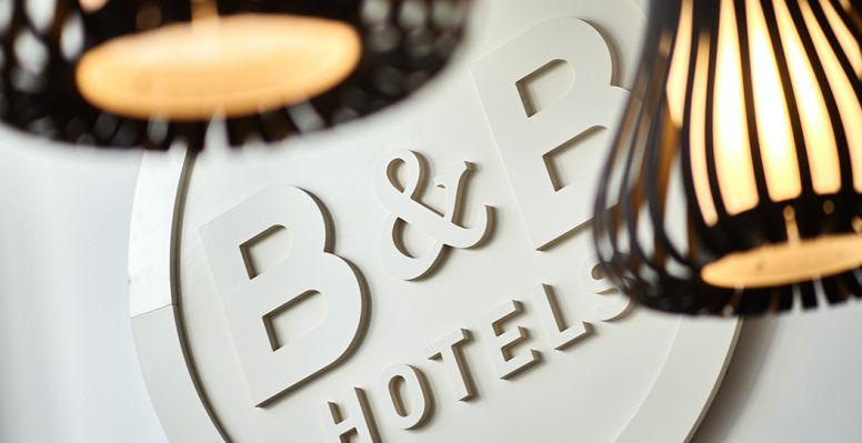 hotel en bollène hall de entrada