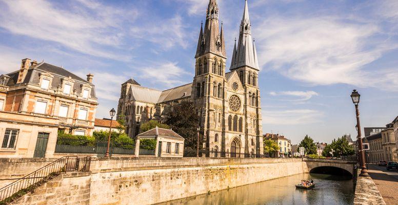 Notre-Dame-en-Vaux, church in Chalons en Champagne