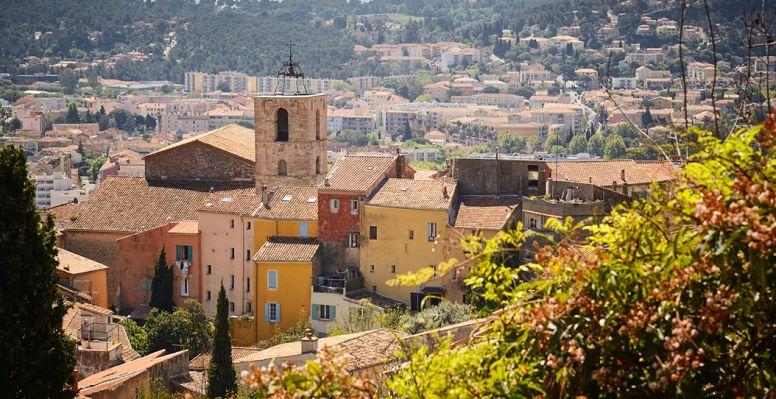 Casas en la ciudad de Hyères