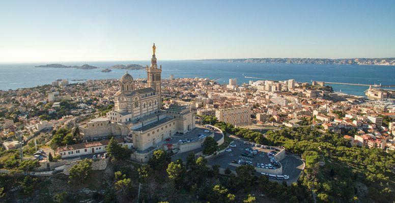 Panorama sur Marseille et sur la Basilique Notre Dame de La Garde