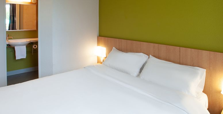 hotel in brive-la-gaillarde double room