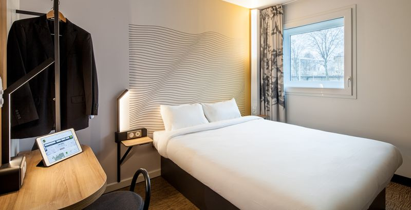 hotel en nanterre habitación doble
