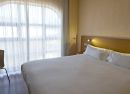 Habitación doble matrimonial Hotel B&B Madrid Fuenlabrada