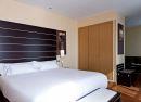 Habitación superior con salón y terraza Hotel B&B Madrid Fuenlabrada