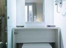 Baño de habitación doble matrimonial Hotel B&B Madrid Fuencarral 52