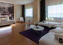 Panorámica hall suite Hotel B&B Madrid Aeropuerto T4