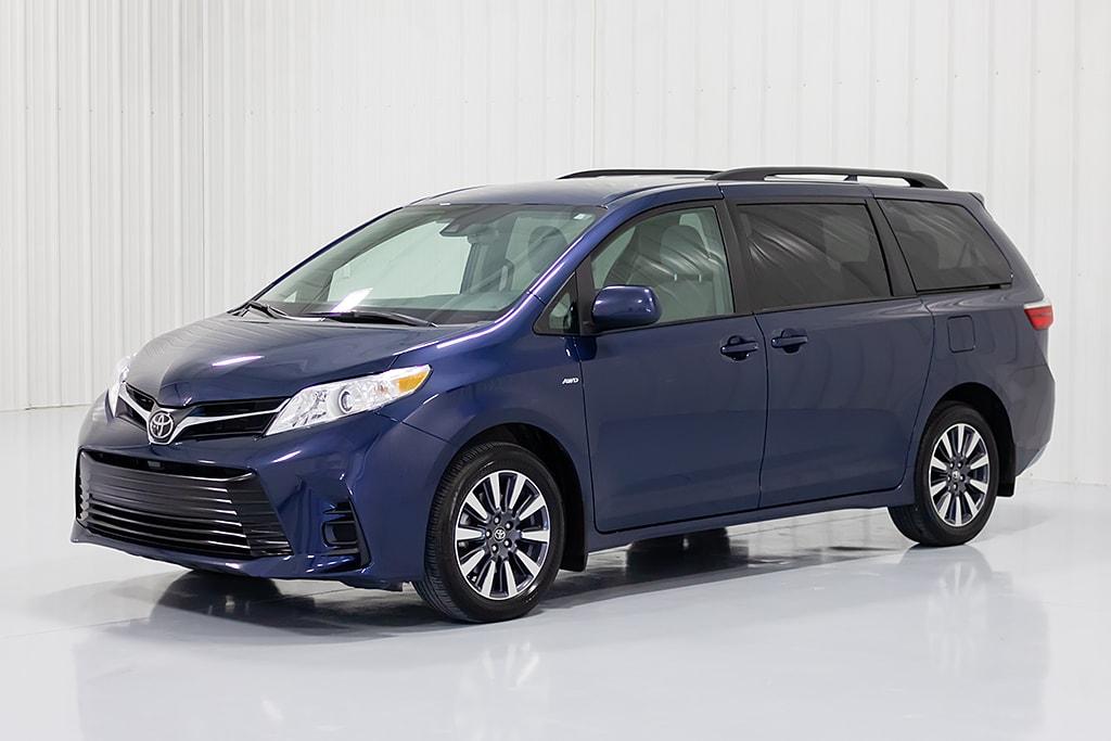 2019 Toyota Sienna LE AWD