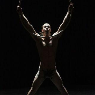 Performance de Malabarismo por Carlos Gaudi