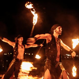 Acrobatic Fireshow von JAGO & L-ION