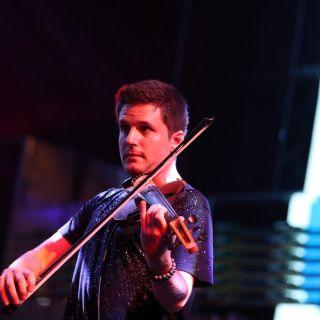 Live electric violin music by MAK - Electric Violin