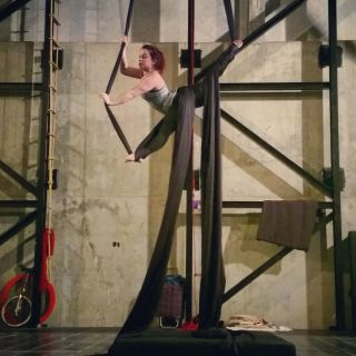 Silks Performance por Kathleen Doherty