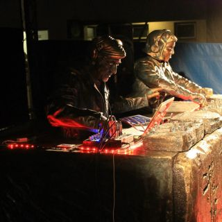 Living Statues DJs by Staticman