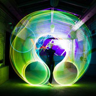 Orfelia Glow Hoop Act von Jessie Rose