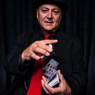 Comedy Magic Show por Gazzo Show