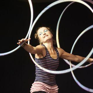 Hula Hoop Performance von Kristin Lahoop