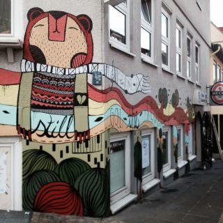 Umweltfreundliche Murals by Tigapigs