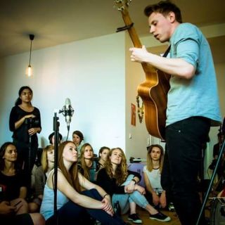 Fingerstyle Gitarrenkonzert by David Hirst