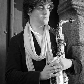 Music Performance: Saxophone por Kajó Soares