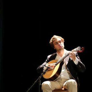 Performance Musical: Guitarra Portuguesa por Kajó Soares