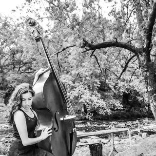 Double bass concert von Sophia Tavares