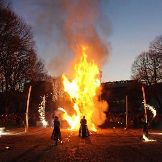 Fire show by Bruno Eddie
