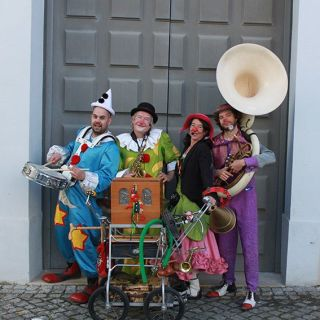 Banda Rumtátá by Companhia Marimbondo