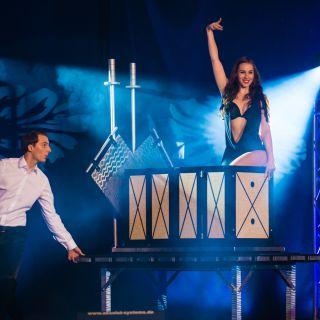 Zaubershow: Großillusionen por Maxim Maurice & Jennifer Martinez