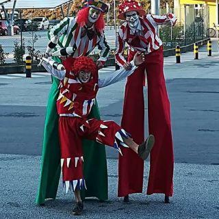 Stilts Performance por Bruno Eddie