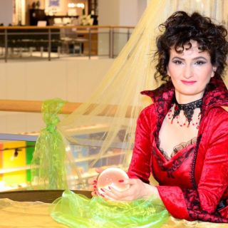 Fortune teller by Elif Demir