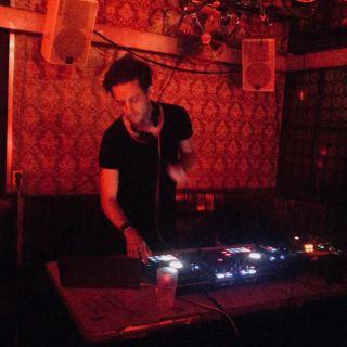 Electronic DJ set by SvP