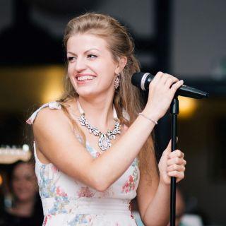 Eva Tiefenthaler profile picture