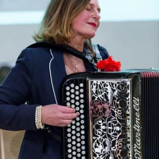Flair de Paris - French Accordion music by Carmen Hey