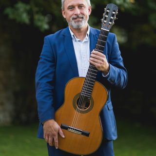 Paul Martin Classical Guitarist profile picture