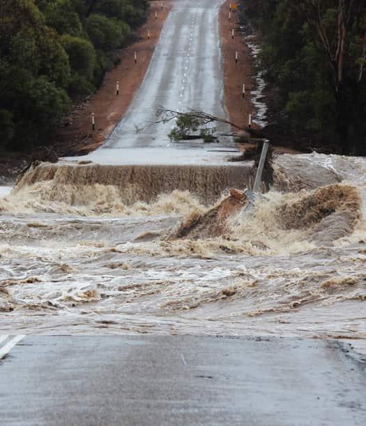 نمذجة لتقدير السيول وإمكانية تغذية المياه الجوفية