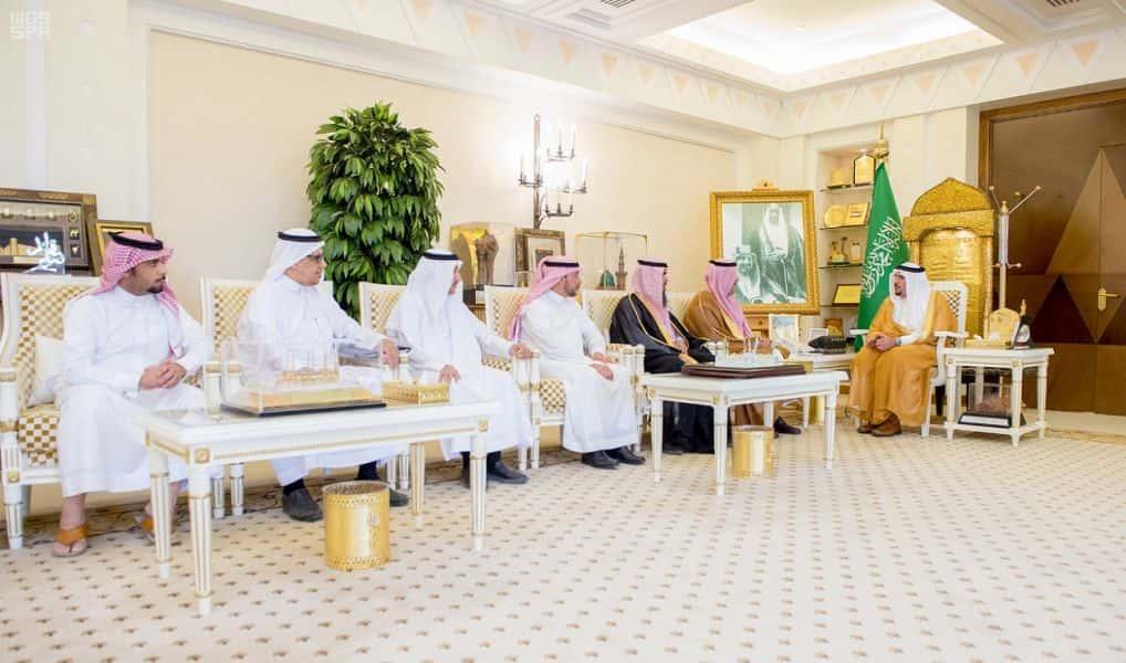 أمير القصيم يشيد بدور الجمعية التعاونية للثروة الحيوانية