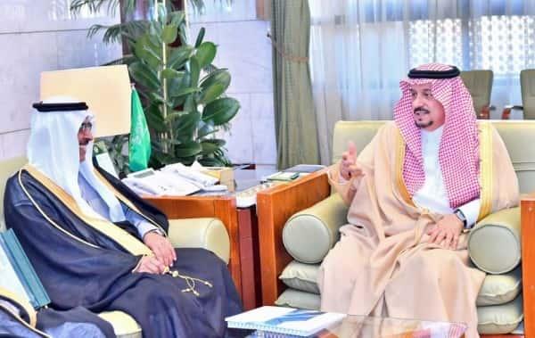 أمير الرياض يستقبل اعضاء مجلس إدارة الجمعية التعاونية للإسكان بالرياض