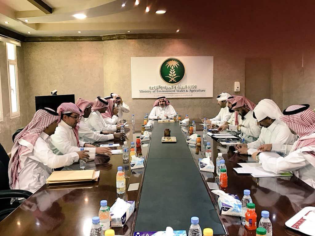لقاء مشرفين مشروع مبادرة تأهيل المدرجات الزراعية بنائب رئيس المجلس بمنطقة الباحة