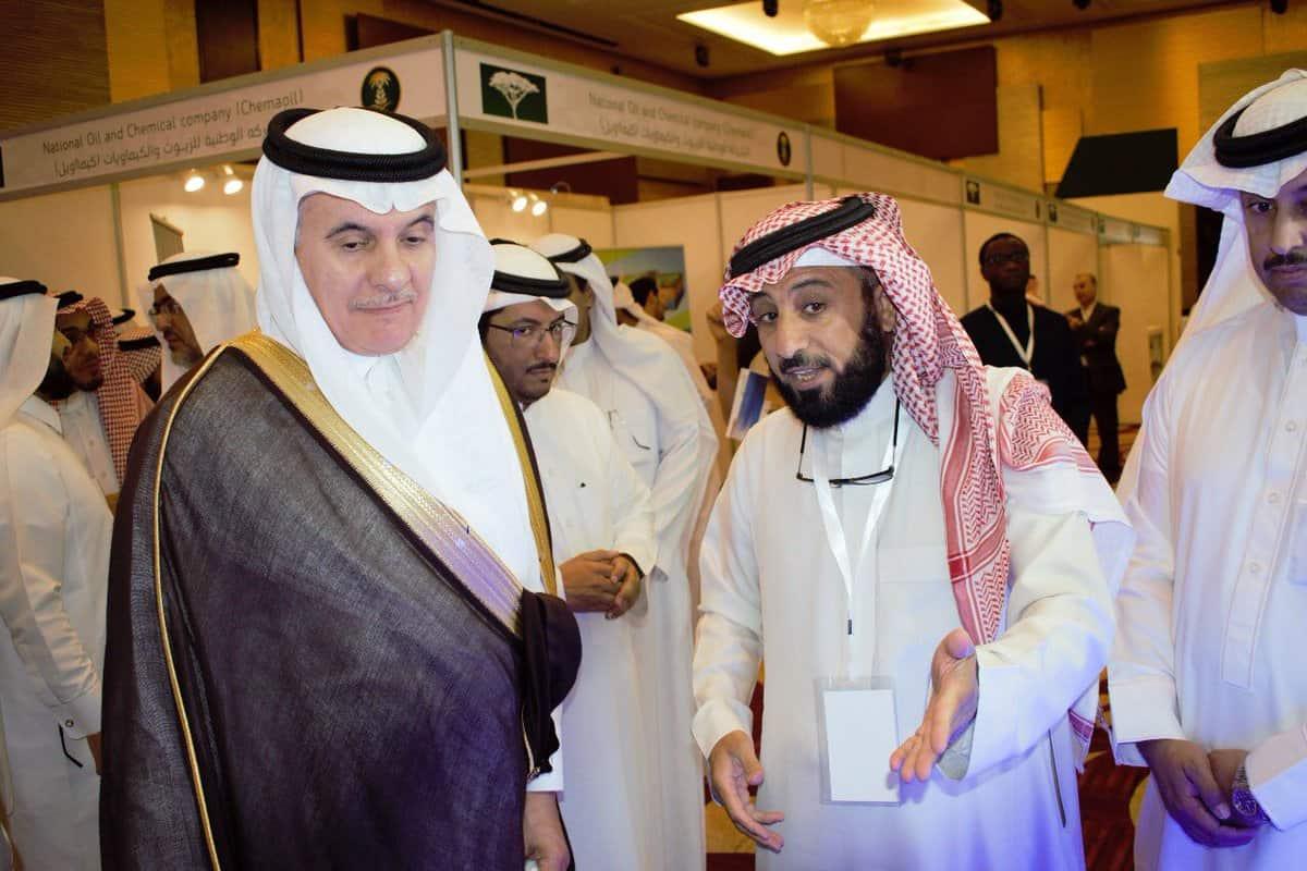 وزير البيئة يزور جناح المجلس المشارك في الورشة الدولية لمكافحة التصحر