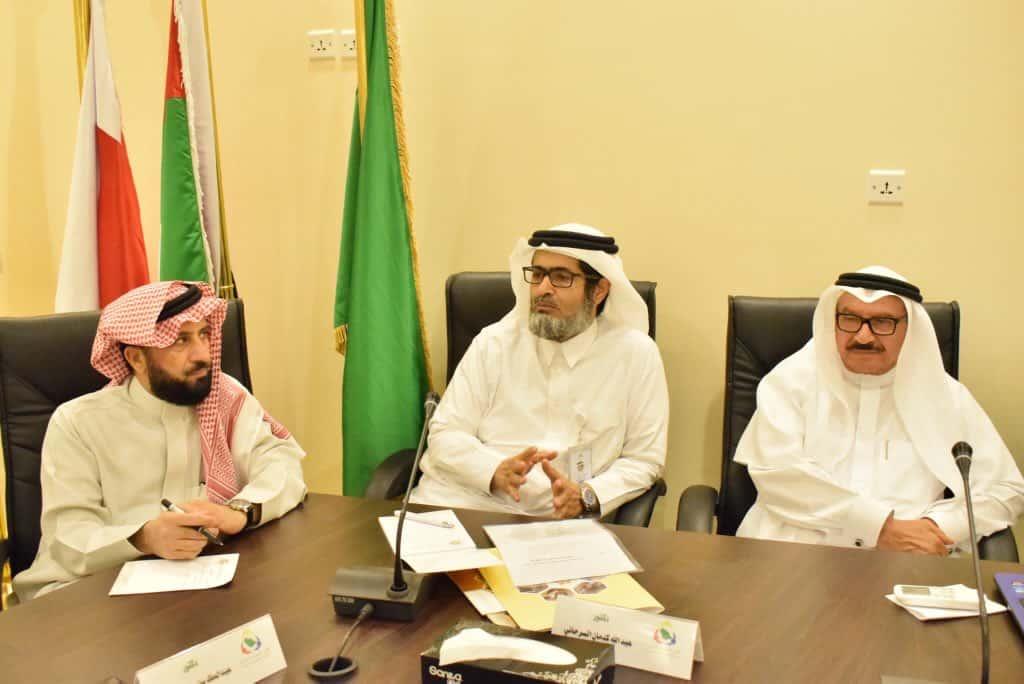 رئيس وأعضاء مجلس الإدارة يجتمعون بمنسوبي الجمعيات التعاونية بمنطقة الباحة