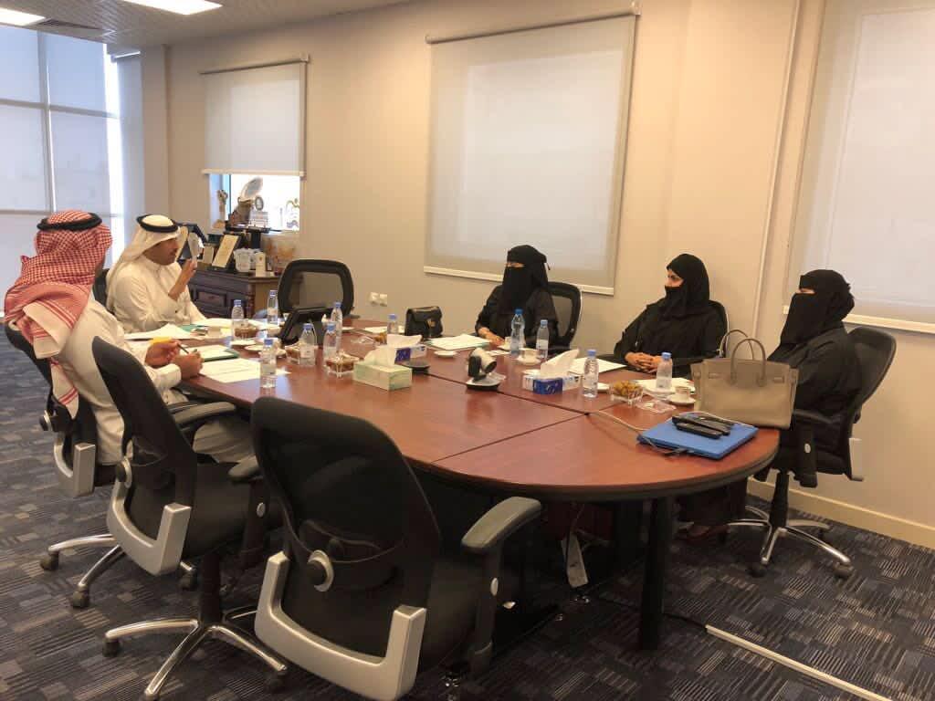 نائب الرئيس يلتقي بعدد من سيدات الأعمال لتأسيس جمعية تعاونية